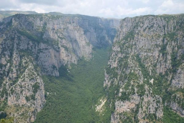 Vikos Gorge from the Oxia viewpoint. A glorious cycle up to 1200m of elevation.