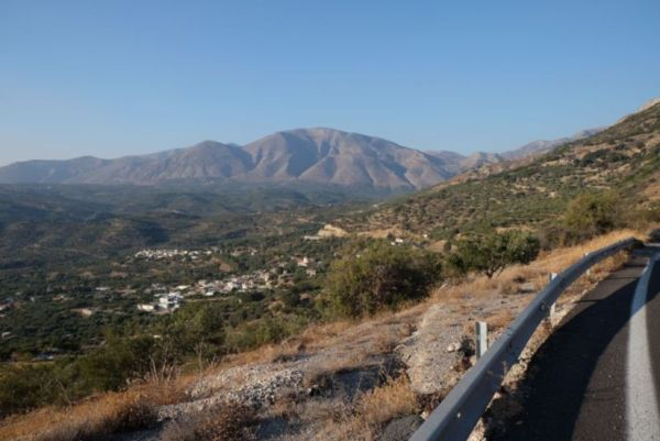 After my two holidays that I managed to squeeze into this extended holiday, I cycled off again to see the South Cretan landscape